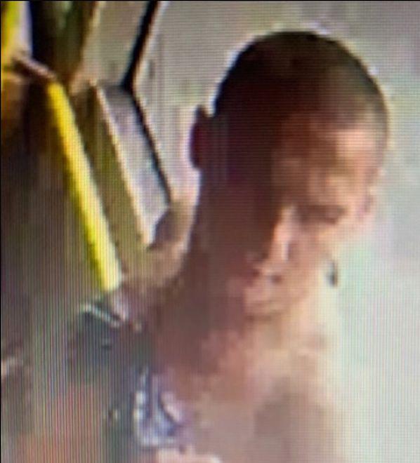 Poznań. Policja opublikowała zdjęcie poszukiwanego mężczyzny