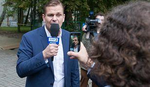 Łukasz Sitek przygotowywał dla TVP Info sondy uliczne