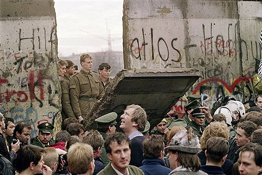 Pomyłka, która przyspieszyła upadek muru berlińskiego