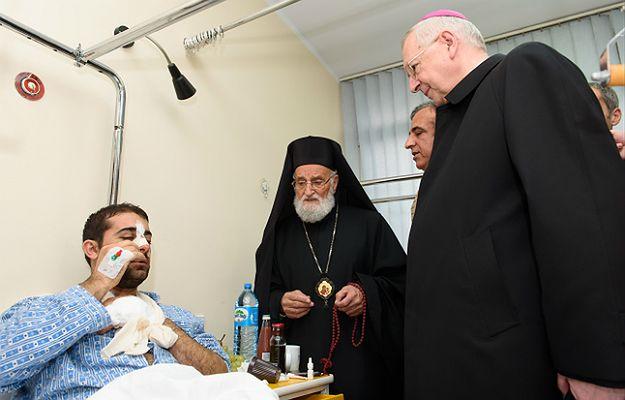 Patriarcha Syrii Grzegorz III Laham i arcybiskup Stanisław Gądecki odwiedzili pobitego Syryjczyka
