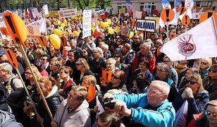 Ogólnopolska manifestacja nauczycieli przed siedzibą Ministerstwa Edukacji Narodowej.