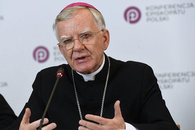 Apb Jędraszewski bronił Kościół przed oskarżeniami