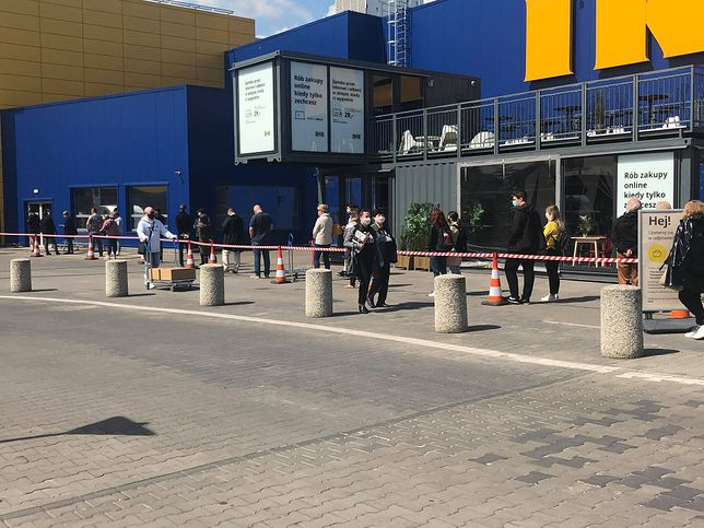 Od poniedziałku 4 maja klienci znów mogą robić zakupy w stacjonarnych sklepach Ikei.