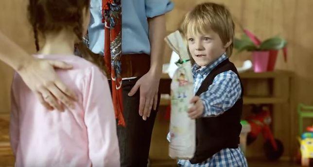 """Skargi na reklamę syropu Paola. """"Posługuje się podtekstem alkoholowym"""""""