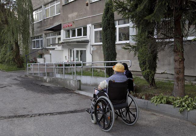 Weterani nie będą musieli płacić za pobyt w DPS. Sejmowa komisja za projektem ws. zwolnienia ich z opłat