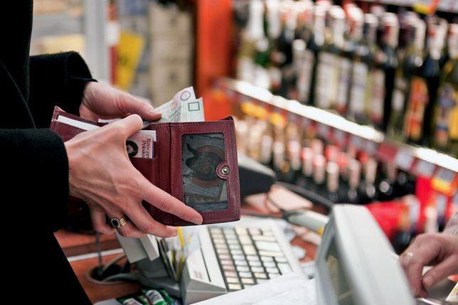 Pensje Polaków rosną. Podwyżki zostaną zjedzone przez ceny
