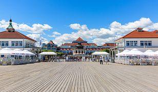 Sopot jest najmniejszym polskim miastem na prawach powiatu. W sezonie przyciąga tłumy