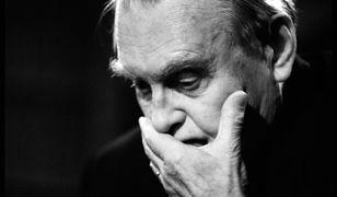 """Kim była tajemnicza kochanka Czesława Miłosza? Fascynująca i mroczna historia """"miłosnego trójkąta"""""""