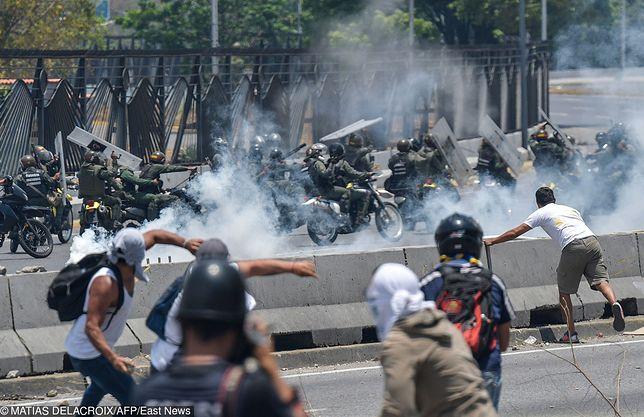 Wenezuela. Trwają starcia w Caracas.