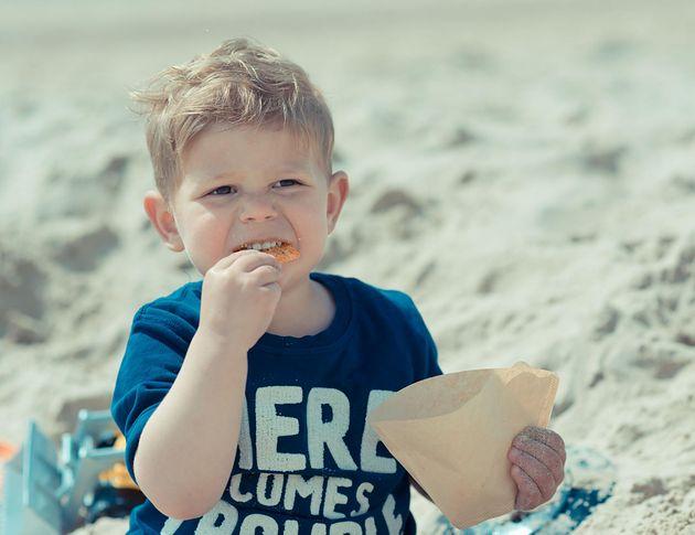 Przekąski dla dzieci pełne pustych kalorii