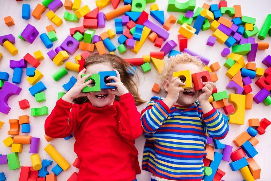 Wybór odpowiedniej zabawki do wieku dziecka