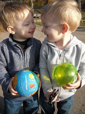 Rywalizacja rodzeństwa - normalna, ale nie ponad miarę. Znajdźcie złoty środek