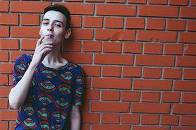 Palenie wśród młodzieży. Sprawdź, dlaczego nastolatki sięgają po papierosy