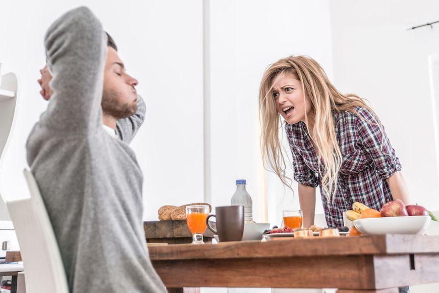 Osoby z toksycznych rodzin mają problem z kontrolowaniem swoich emocji