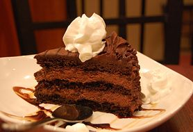 Ciasto czekoladowe, które zachwyci małych i dużych łasuchów