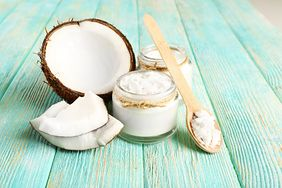 Olej kokosowy pomaga w niedoczynności tarczycy