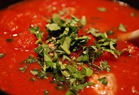 Zobacz, jak przyrządzić pyszny domowy sos pomidorowy