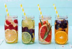 Jak przygotować zdrową wodę smakową dla swojego maluszka?