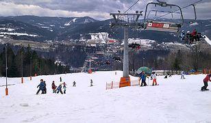 Wisła: narciarze spadli z wyciągu narciarskiego