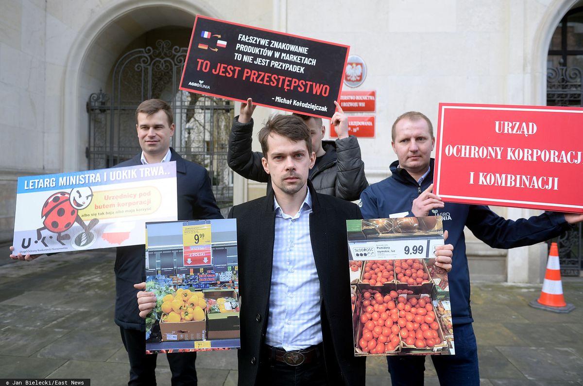Znaleźli polskie truskawki w lutym. Znany rolnik znów punktuje sieci handlowe