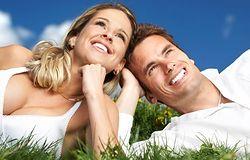 Czy facet powinien wybielać zęby?