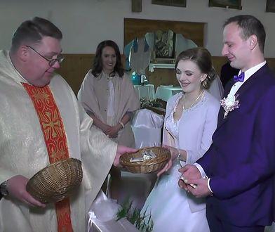 Piękny gest księdza. Oddał pieniądze z tacy nowożeńcom