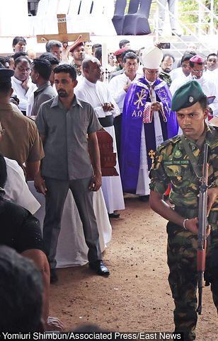 Jeszcze kilka dni temu Sri Lanka kojarzyła się z piękną przyrodą. Od niedzielnych zamachów budzi jednak zgoła inne skojarzenia