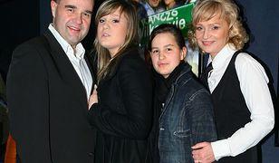 Cezary i Katarzyna Żak z córkami w 2008 r. Dziś dziewczyny są już dorosłe