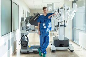 Urologia da Vinci. Dr Paweł Salwa bezinwazyjnie wyciął 40-latkowi raka prostaty
