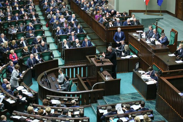 Sejm przyjął projekt ustawy ws. powołania komisji weryfikacyjnej ds. reprywatyzacji w Warszawie