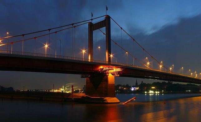 Most na rzece Ren w Duisburgu