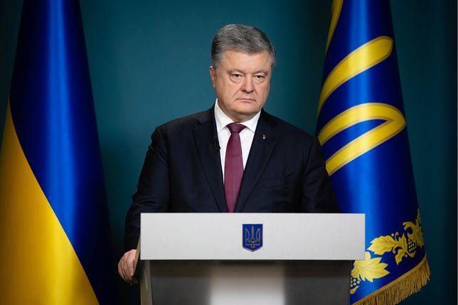 Prezydent Petro Poroszenko poinformował w środę o zakończeniu stanu wojennego wprowadzonego po incydencie w Cieśninie Kerczeńskiej