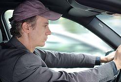 2 na 3 Polaków rozmawia przez komórkę podczas jazdy. Jest coraz gorzej