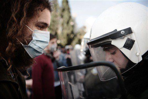 Gorąca sobota w Grecji - zamieszki trwają już tydzień