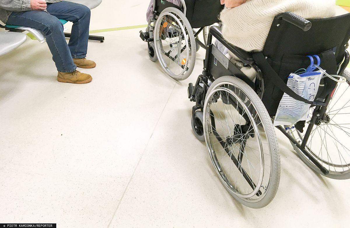 Ratusz w stolicy ma kłopoty z niepełnosprawnymi pracownikami. Jest ich zbyt mało