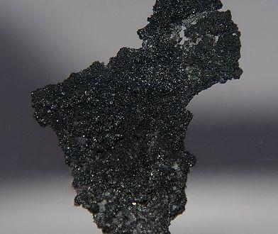Tak wygląda krystaliczny boron.