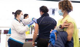 Szczepionka na COVID. Hiszpania dopuszcza możliwość przyjęcia jednej dawki