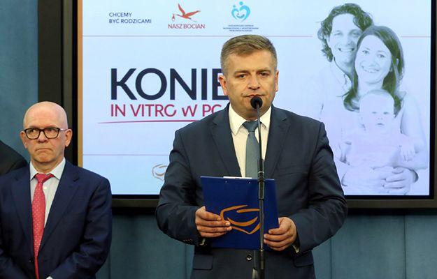 Były minister zdrowia, poseł PO Bartosz Arłukowicz i Prezydent Europejskiego Towarzystwa Rozrodu Człowieka i Embriologi prof. Juha Tapanainen