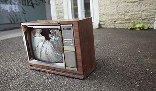 Elektrośmieci to nie są zwykłe śmieci! Jak legalnie pozbyć się RTV i AGD?