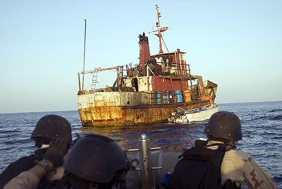 Somalijscy piraci uwalniają statki w zamian za amnestię