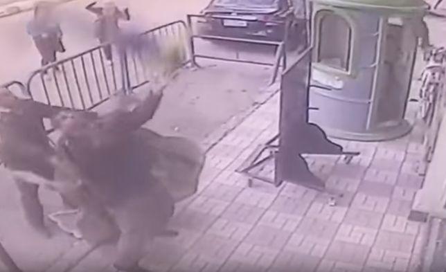 Cudowne ocalenie. Policjant złapał 5-latka, który wypadł z 3. piętra