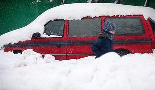 Zasypało Moskwę. Takie opady śniegu zdarzają się raz na 100 lat