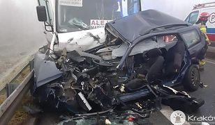 Małopolska. W wypadku z udziałem busa zostało rannych 15 osób. Są ofiary śmiertelne
