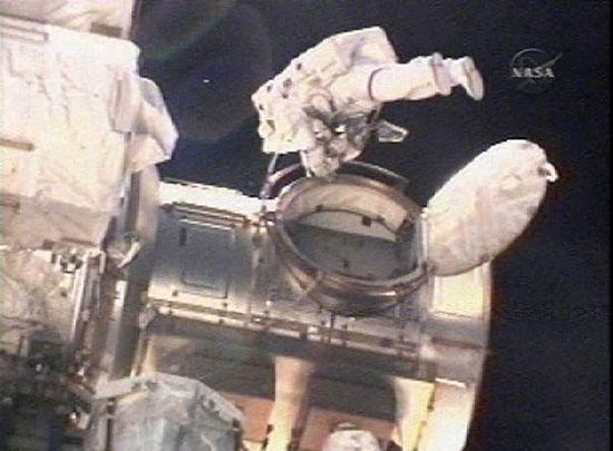 Dwóch Amerykanów wyszło na kosmiczny spacer