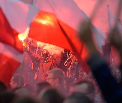 Uczestnicy marszu ONR protestują przeciwko napływowi imigrantów do Europy.
