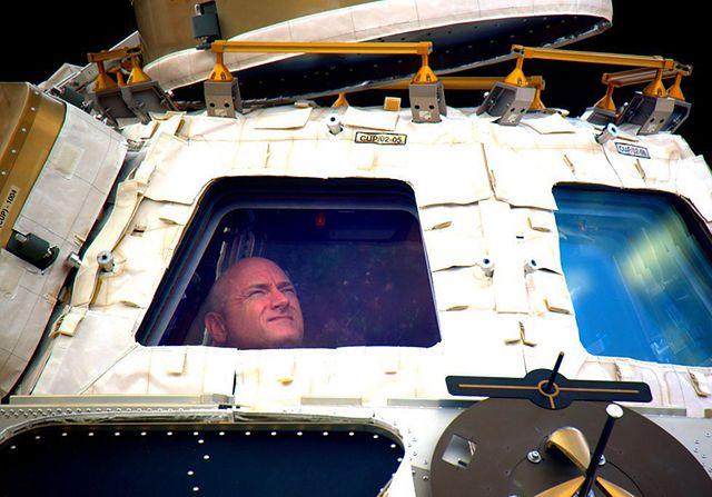 Wrócili na Ziemię po rocznej misji w kosmosie - zdjęcia