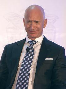 Jeff Bezos nie poleci na wakajki do Mielna. Woli ziemską orbitę [sad emoji]