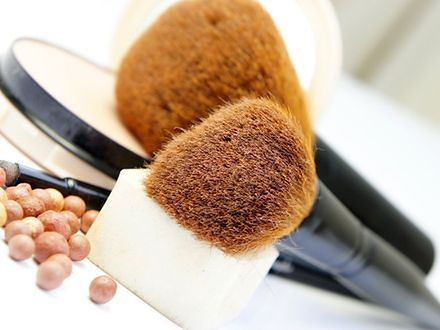 Jak dbać o akcesoria do makijażu?
