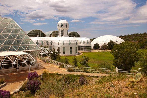 """Kompleks """"Biosphere 2"""" w stanie Arizona."""