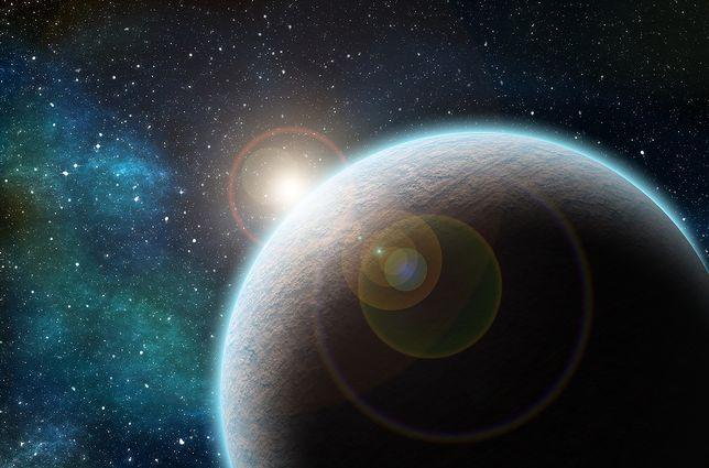 """Naukowcy odkryli gigantyczny obiekt. """"Niemowlęca"""" egzoplaneta jest niezwykle zagadkowa"""